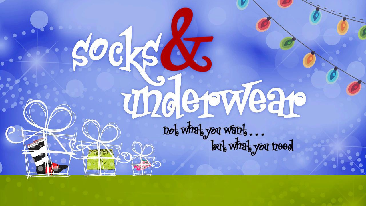 men-socks-and-tights You may think of men's socks as something silly, but really, they can make or break an outfit. Your socks should fit what you're wearing, and luckily, UNIQLO has a large variety of men's socks for you to browse and find something suitable.